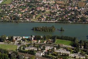 Albigny-sur-Saône-PINEL
