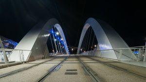 immo neuf-ligne de tramway pont nuit