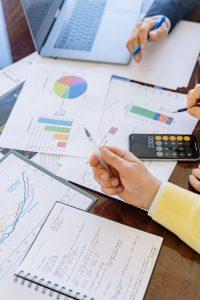 conseil investissement immobilier-documents calculatrice ordinateur portable